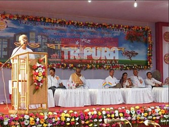 CM Manik Sarkar inaugurates Girls' Hostel at Arundhuti Nagar, Agartala. TIWN Pic Sep 23