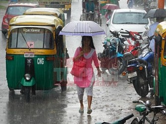 Rain disrupts normal lives at Agartala. TIWN Pic Sep 21